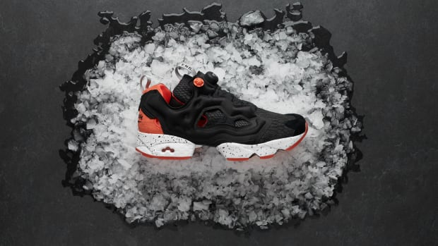end-reebok-instapump-fury-black-salmon-00