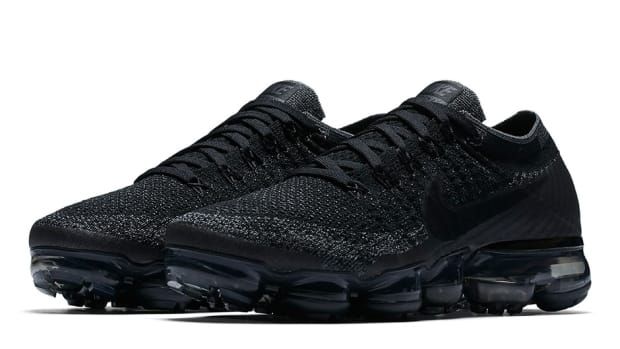 nike-vapormax-triple-black-00