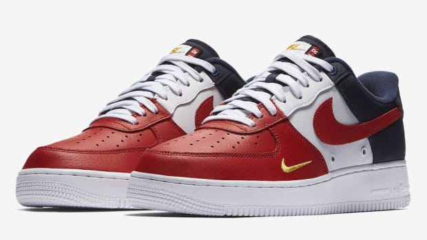 nike-air-force-1-low-mini-swoosh-01