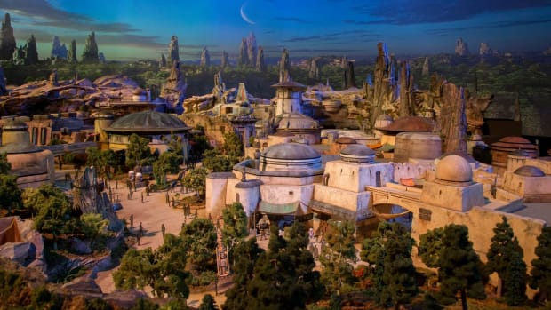 disney-star-wars-land-theme-park-00