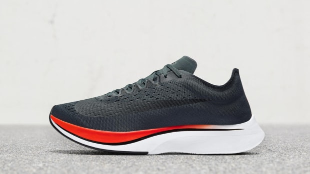 nike-vaporfly-4-percent-blue-fox-bright-crimson-01