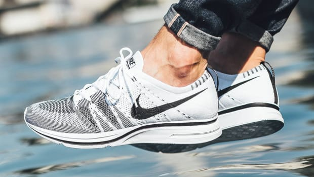 nike-flyknit-trainer-white-black-00
