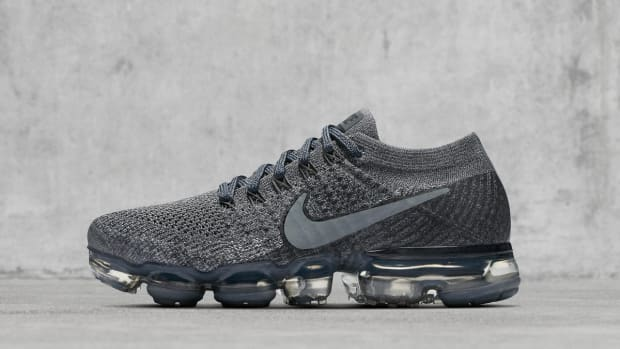 nikelab-air-vapormax-dark-grey-01