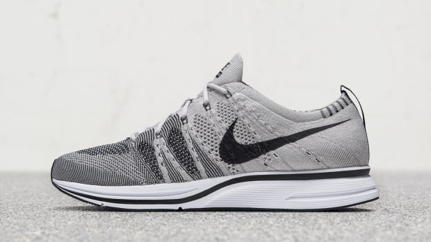 nike-flyknit-trainer-pale-grey
