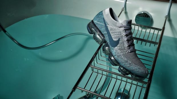 nike-air-vapormax-speckled-sole-01