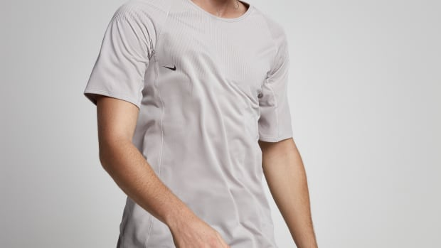 nikelab-advanced-apparel-exploration-tee-00