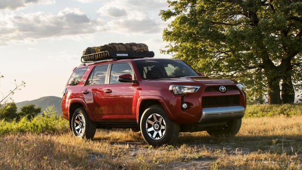 2017-toyota-4runner-trd-off-road-remium-00.jpg