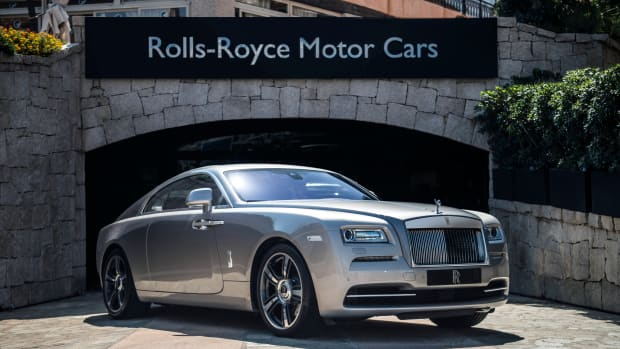 rolls-royce-bespoke-wraith-and-dawn-03.jpg