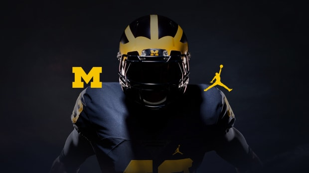 university-of-michigan-jordan-uniform-01.jpg