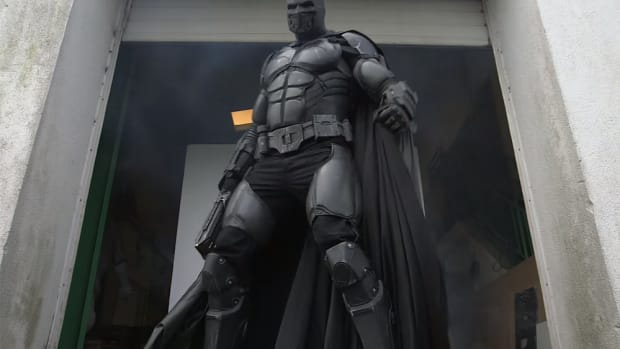 batman-cosplay-suit.jpg
