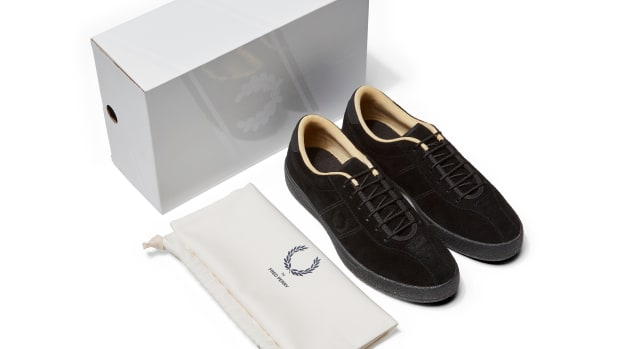 fred-perry-black-champagne-tennis-shoes-00.jpg