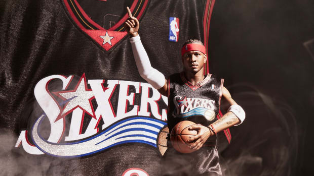 mitchell-and-ness-enterbay-allen-iverson-collectors-box-01.jpg