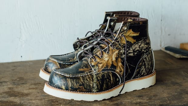red-wing-8884-camo-moc-toe-boot-00.jpg