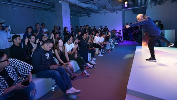 nike-mag-hong-kong-auction-00.jpg