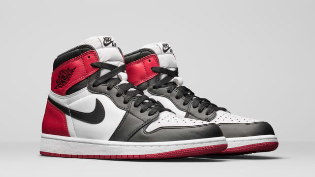 air-jordan-1-black-toe-00.jpg