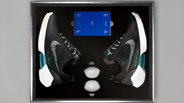 nike-hyperadapt-1-0-packaging-00.jpg