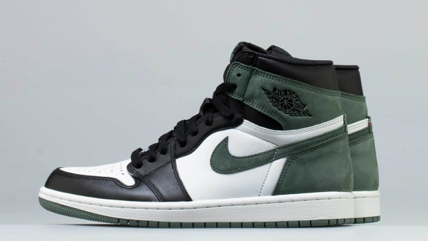 the latest 22f41 53a85 A First Look at the Air Jordan 1 Retro High OG