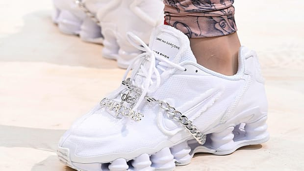 comme-des-garcons-nike-shox-first-look-00