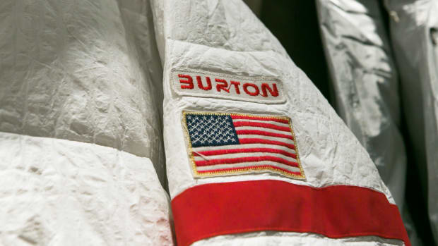 burton-us-snowboard-team-uniform-00