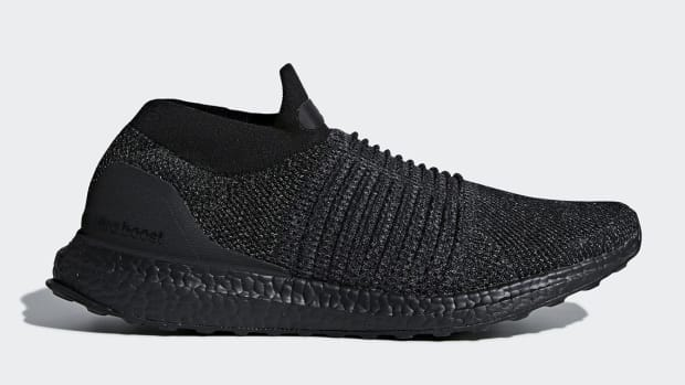 adidas-ultra-boost-laceless-triple-black-00