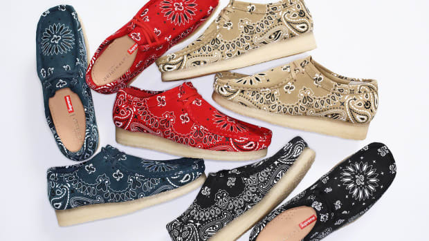 supreme-clarks-originals-bandana-wallabees-2019-12