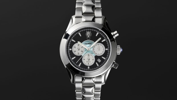 seiko-square-enix-final-fantasy-vii-chronograph-watch-4