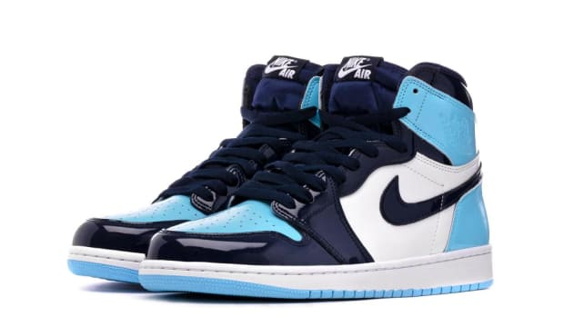 air-jordan-1-high-og-blue-chill-1