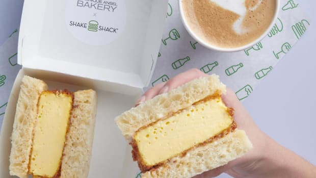 dominique-ansel-shake-shack-egg-sandwich-2019-0