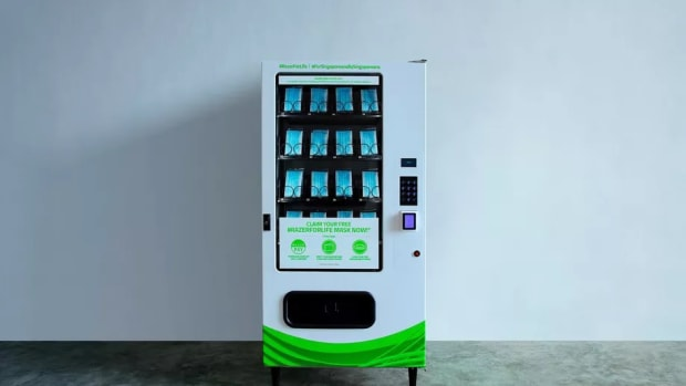 razer-face-mask-vending-machine-singapore-covid-19