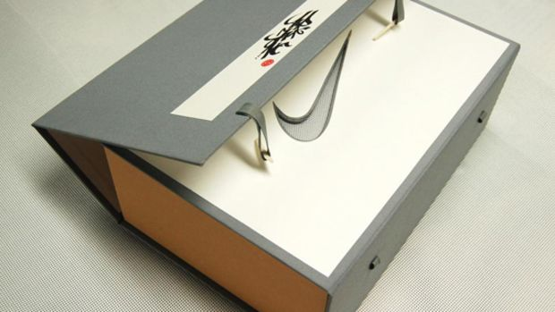 clot-x-nike-air-max-1-sp-special-packaging-classic-chinese-book-binding-03