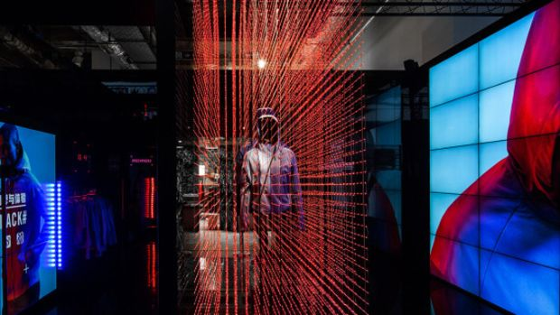 nike-tech-pack-retail-experience-booth-shanghai-08