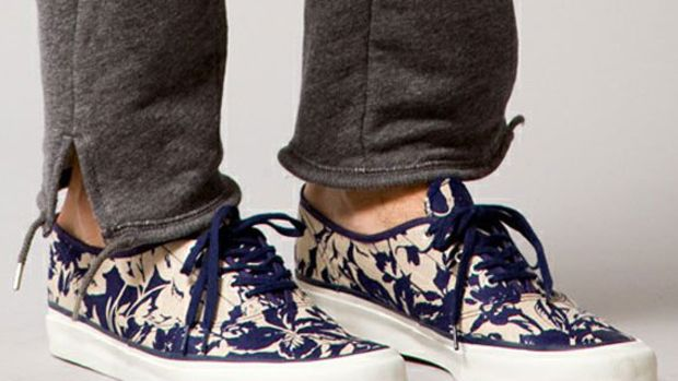 the-hill-side-beauty-and-youth-5-eyelet-sneakers-01