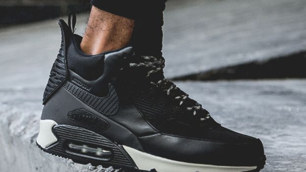 nike-air-max-90-sneakerboot-black-reflective-another-look-01