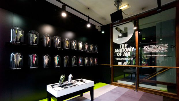 anatomy-of-air-exhibition-at-size-covent-garden-00