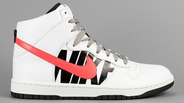 undefeated-nikelab-dunk-lux-00