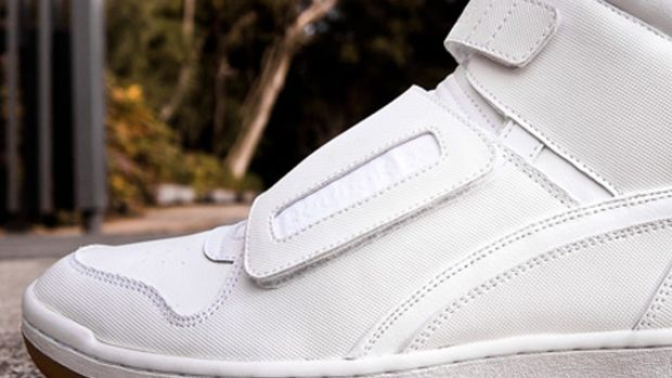 chapter-reebok-cl-alien-stomper-white-gum-01
