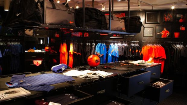 nike-football-pop-up-store-tokyo-00