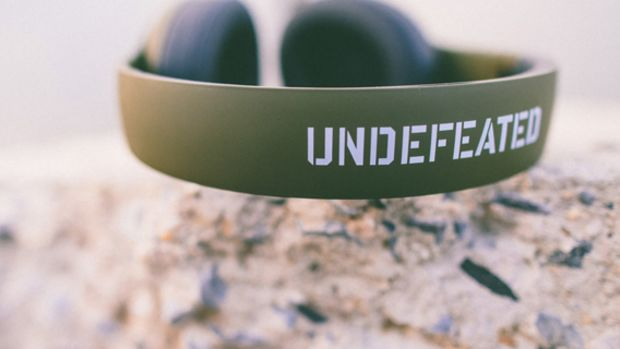 undefeated-beats-by-dre-studio-headphones-01