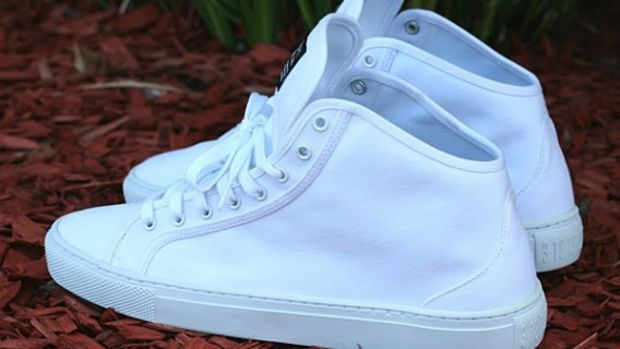 crooks-castle-summer-2010-redfoot-white-06