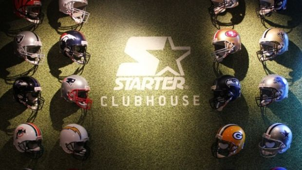 starter-clubhouse-times-square-nyc-pop-up-shop-super-bowl-XLVIII-03-570x388
