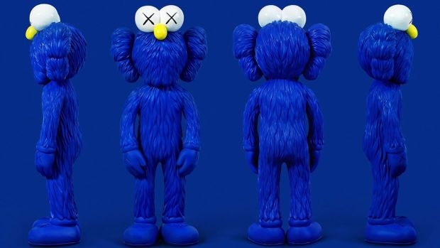 kaws-bff-sculpture-and-collection-00.jpg