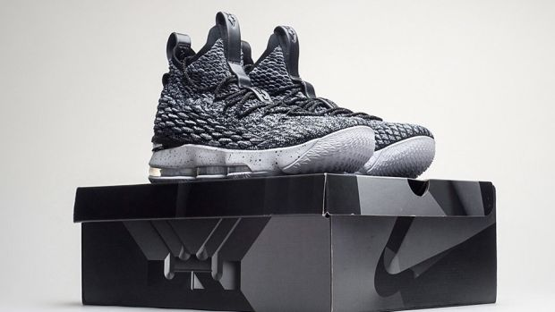 nike-lebron-15-ashes-release-date-00