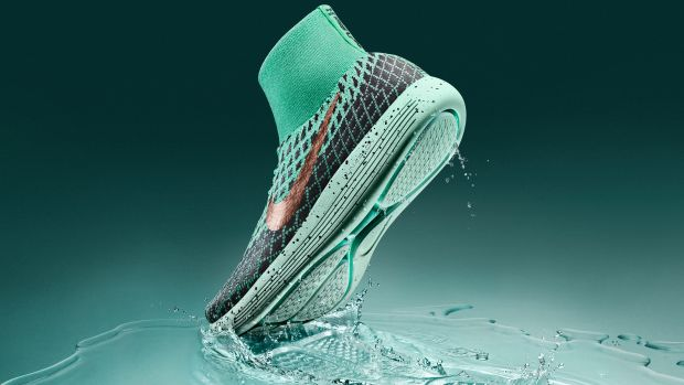 nike-lunarepic-flyknit-shield-00.jpg