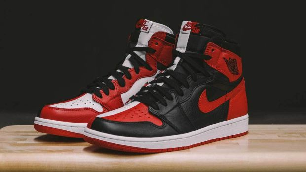 air-jordan-1-homage-to-home-chicago-release-00