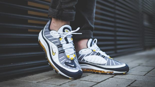 nike-air-max-tour-yellow-01