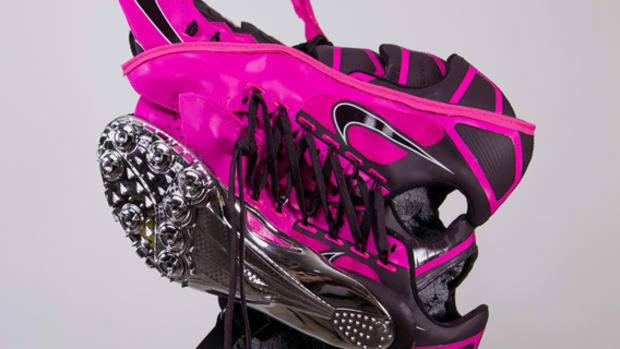 freehand-profit-jet-nike-superfly-r4-track-cleat-mask-01