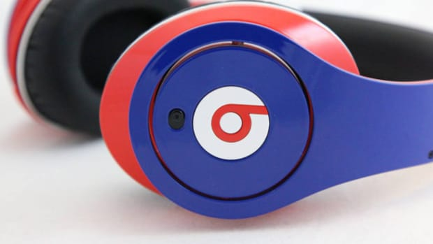 beats-by-dr-dre-studio-headphones-july-4th-edition-01