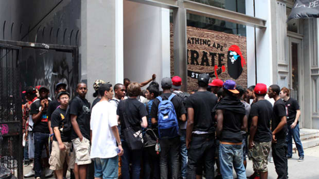 a-bathing-ape-ny-pirate-store-04