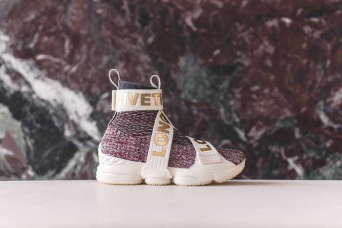 "Kith x Nike LeBron Lifestyle 15 ""Stained Glass"""