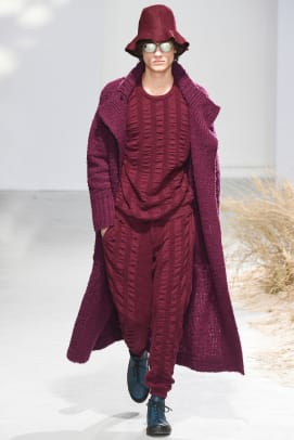 issey-miyake-fall-winter-2016-collection-01.jpg